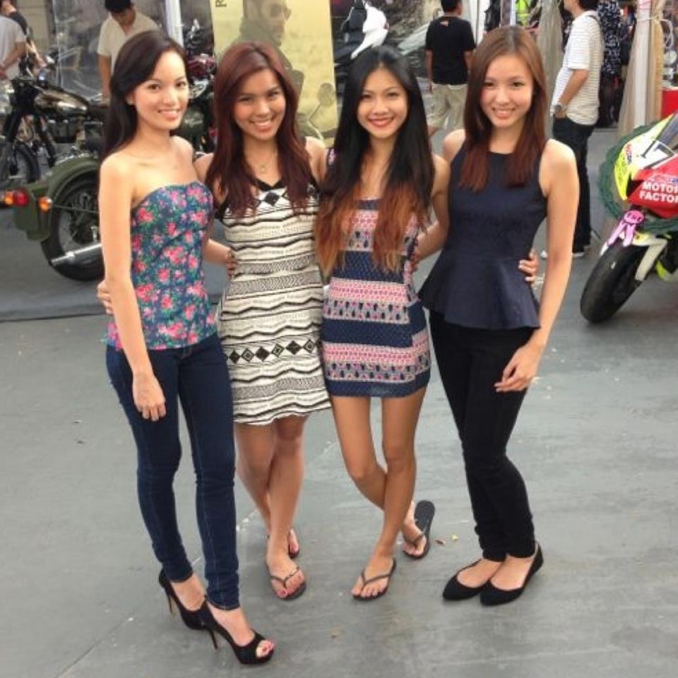 Dating singapore girl